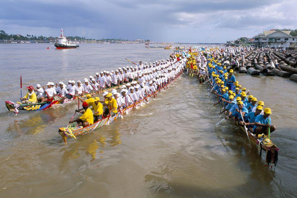 Water Festival races off Phnom Penh, Cambodia