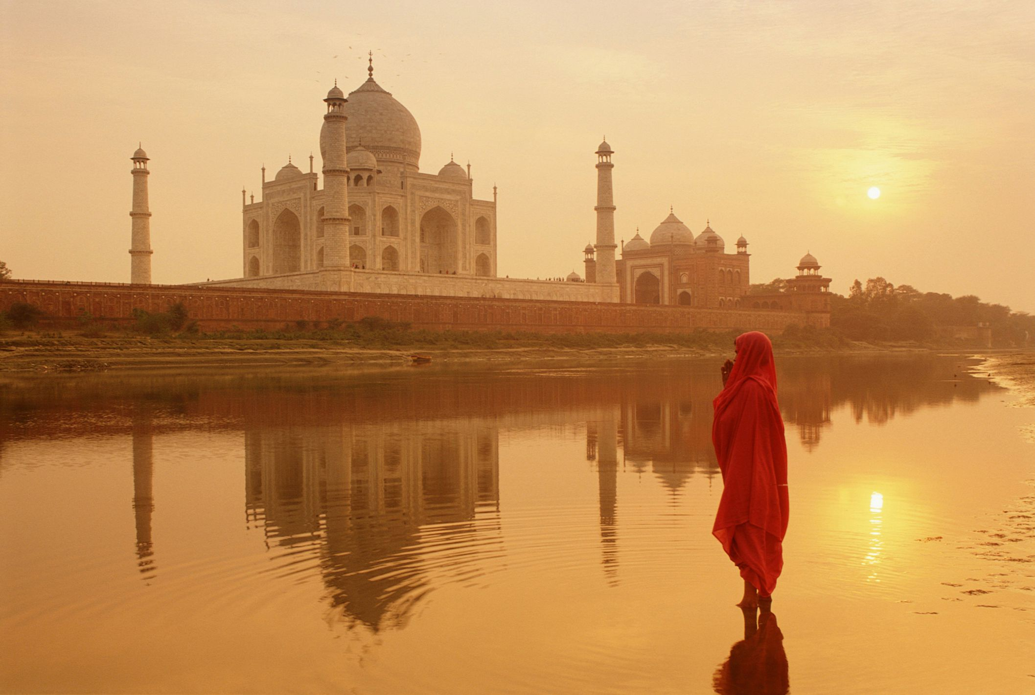 Central Auto Body >> The Taj Mahal in India: What to Know Before You Go