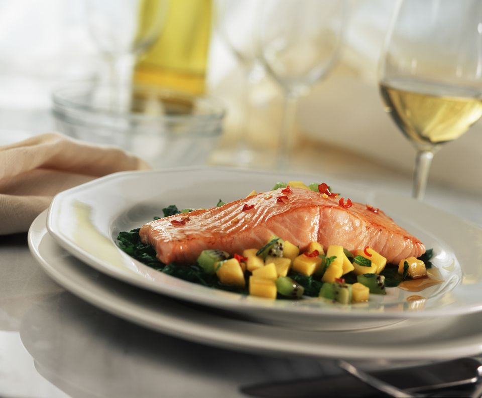 Salmon and wine pairing