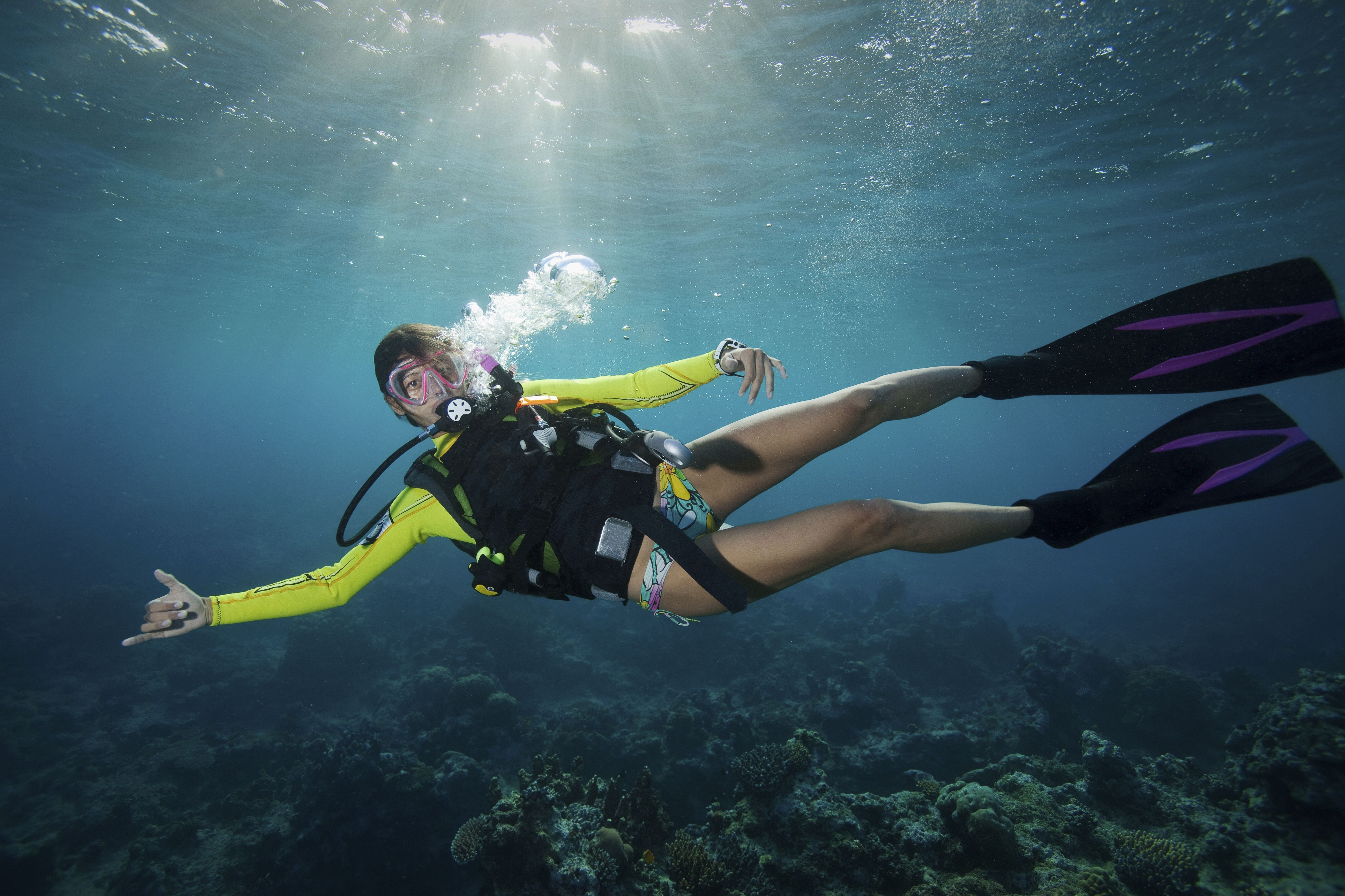 Open heeled vs full footed fins for diving 5 ways to keep your hair out of your face when scuba diving xflitez Choice Image