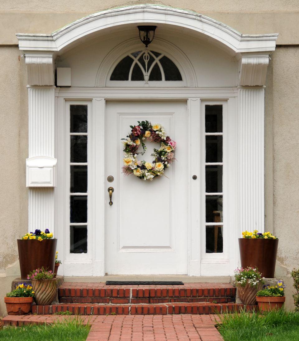 Choose your best feng shui front door color - Front door color meanings ...