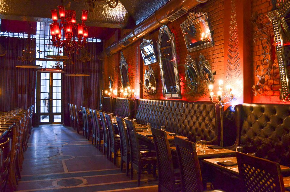 8 Best Iconic Indian Restaurants In Delhi For All Budgets