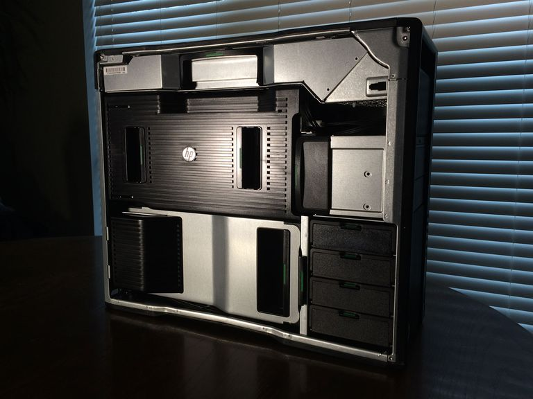 HP Z840 with lockable side panel removed - note tool-less layout inside