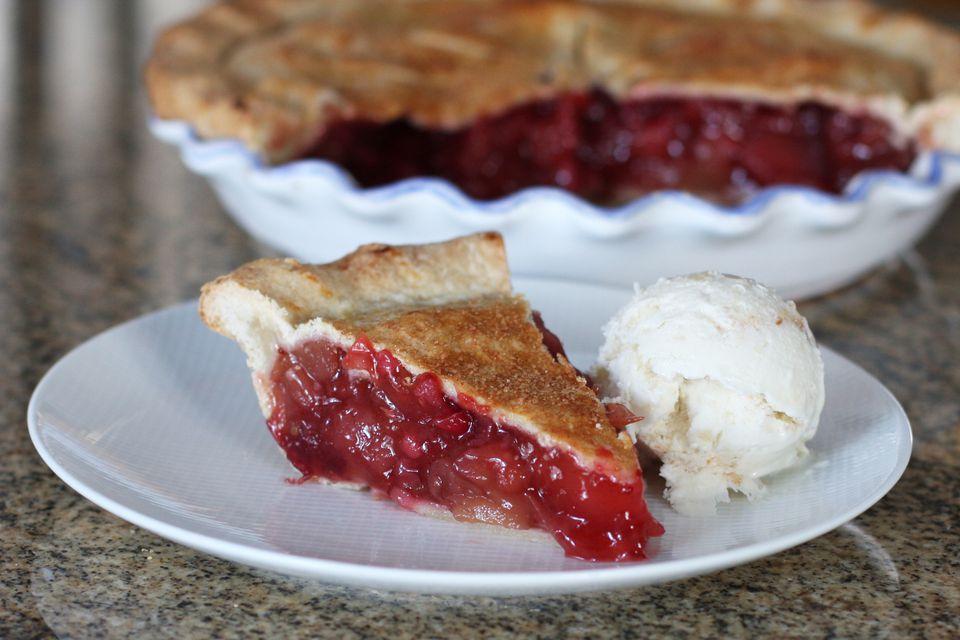 Easy Apple Cranberry Pie