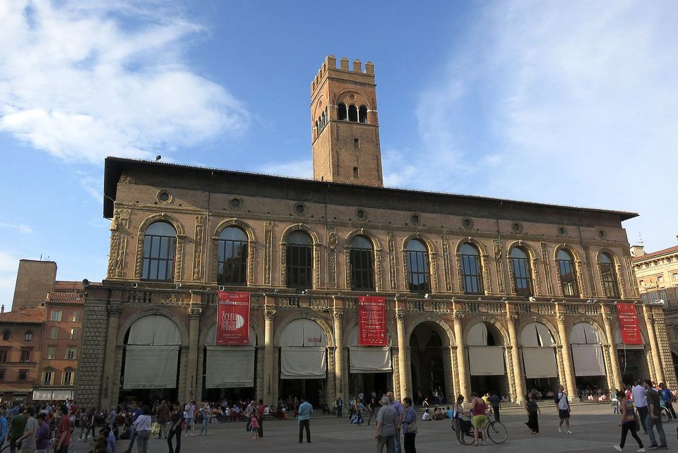 bologna square photo