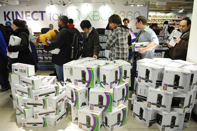 Kinect For Xbox 360 Launch In Times Square Celebrating Dance Central from MTV Games/Harmonix With Special Guest Ne-Yo And Lady Sovereign
