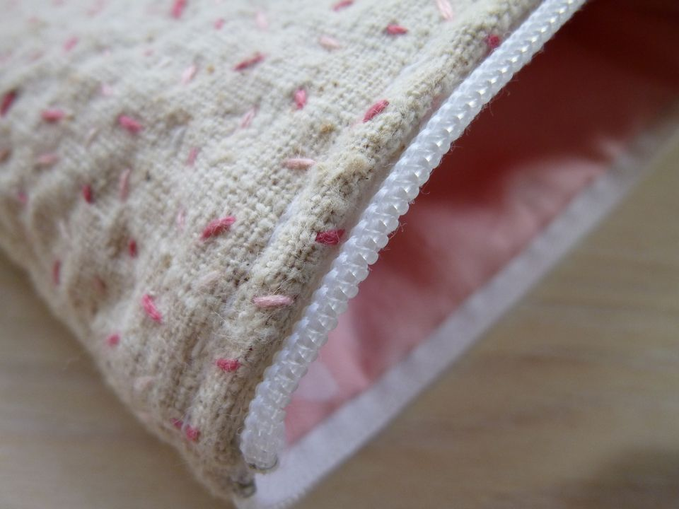Seed stitch on recycled silk