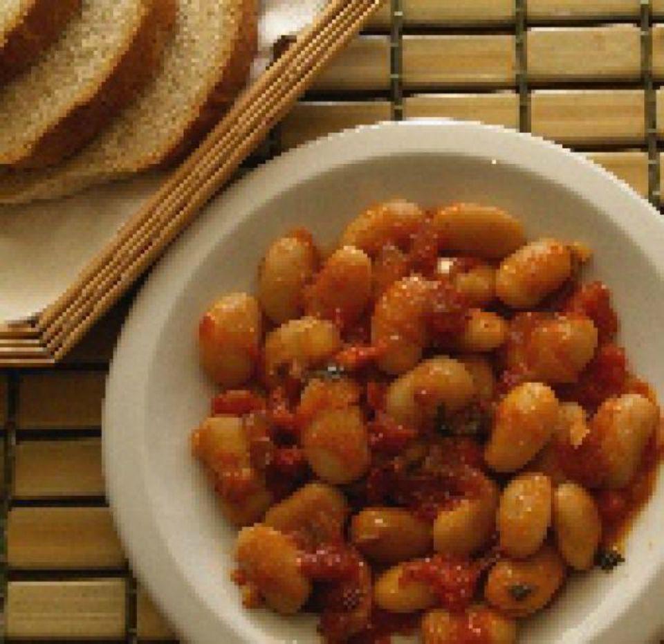 Yigandes Plaki: Baked Bean Casserole