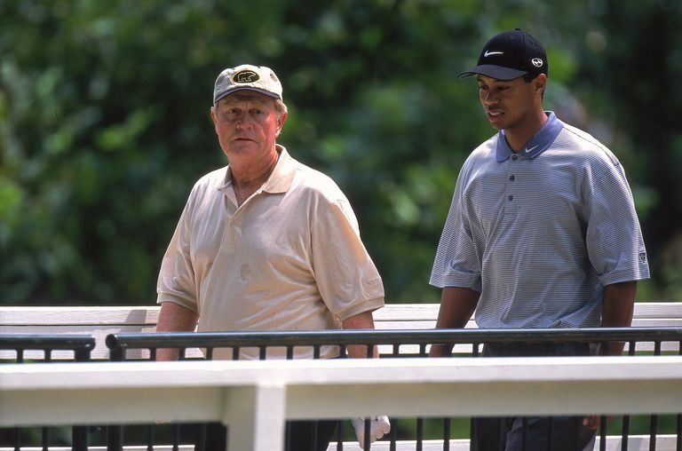 Jack Nicklaus and Tiger Woods during the 2000 PGA Championship