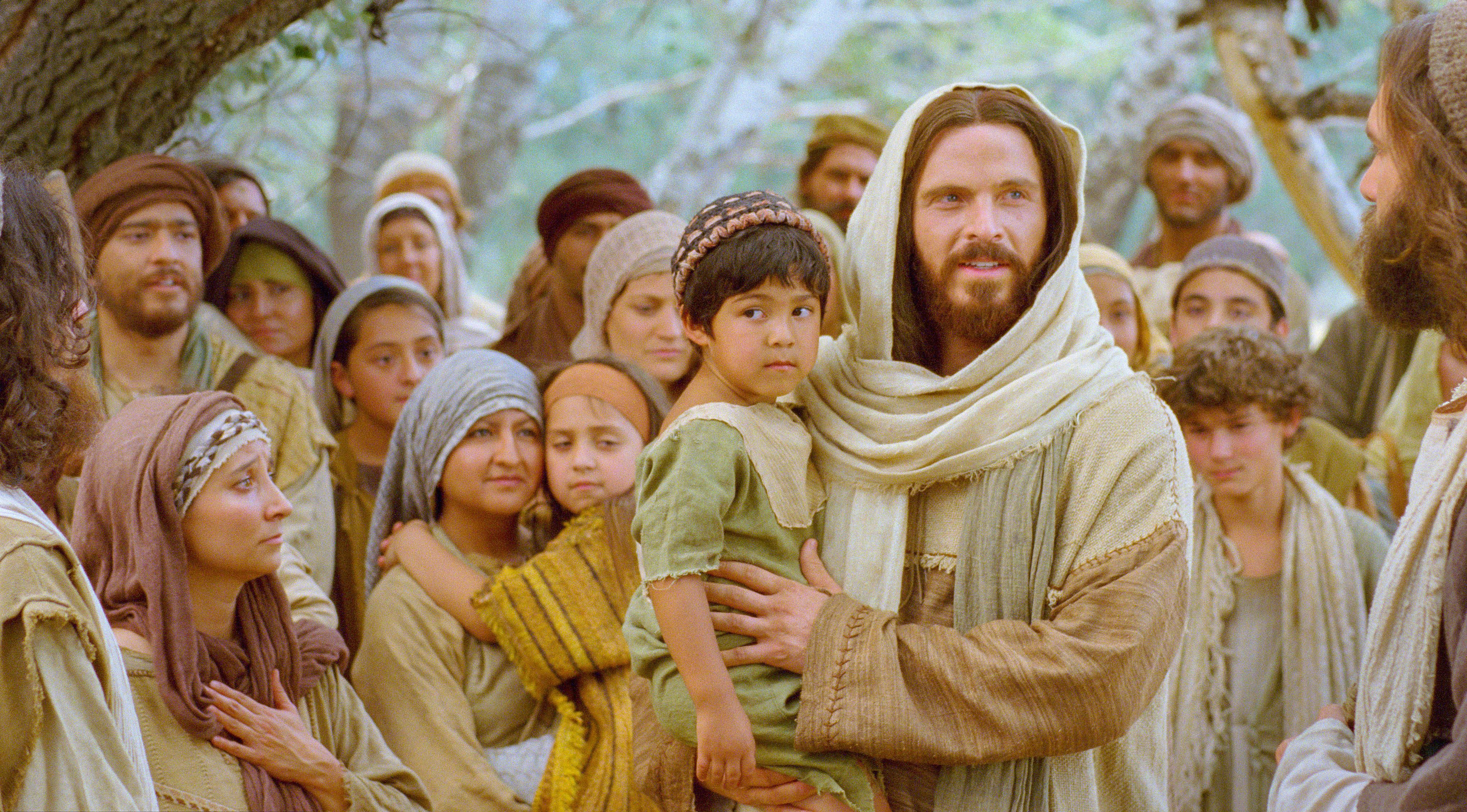 15 ways to serve god through serving others