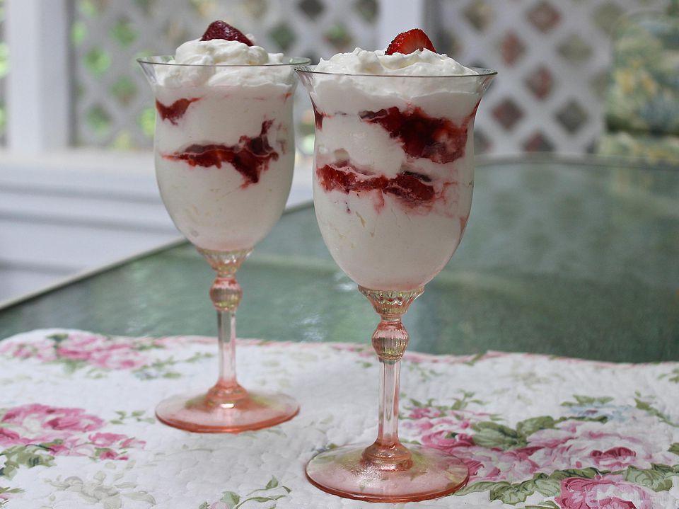 Strawberry Creme Parfaits