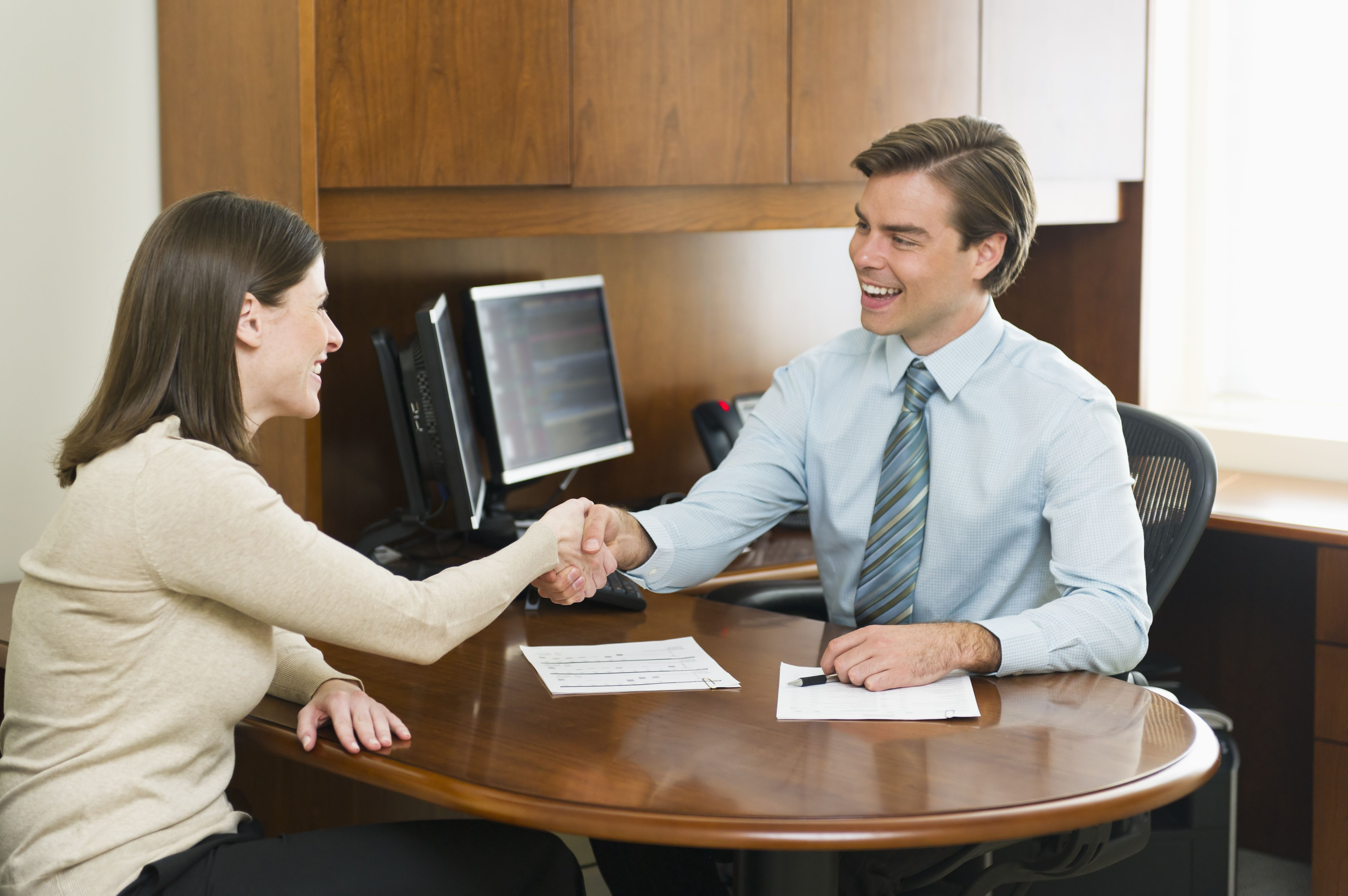 how to make a job offer to a prospective employee