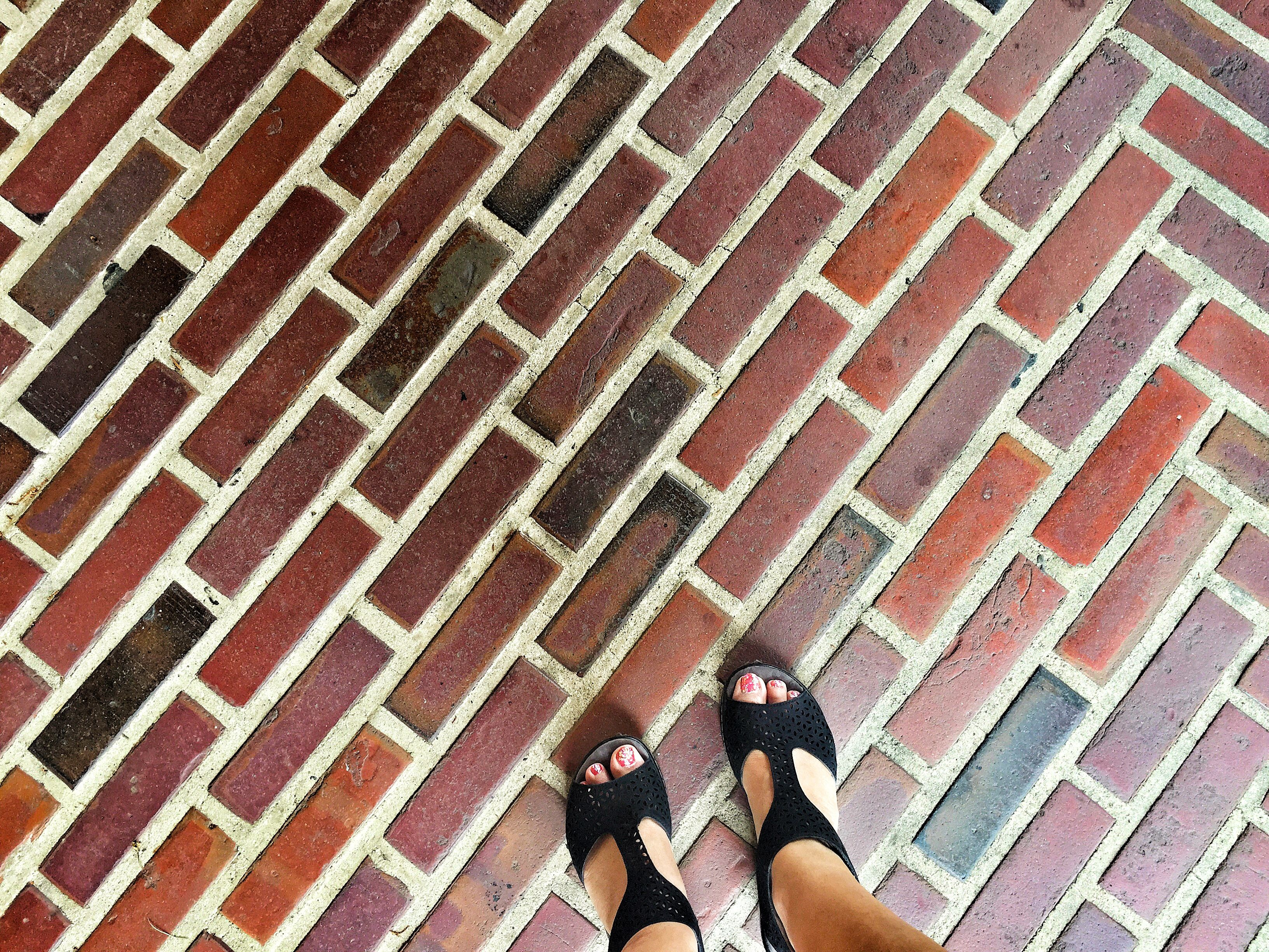 The pros and cons of brick floor surface coverings - Pros and cons of painting exterior brick ...
