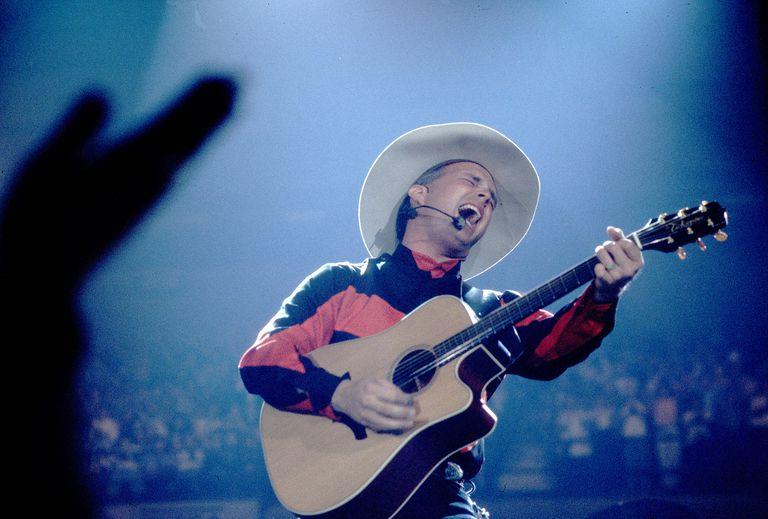 Garth Brooks On Stage
