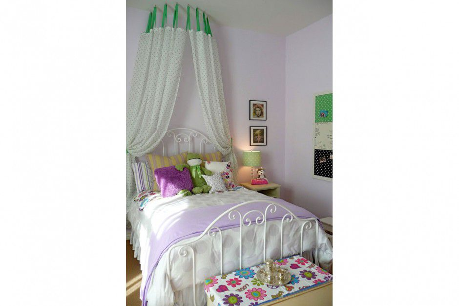 Girl's room with DIY canopy bed idea.