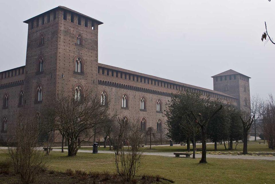 pavia castle photo