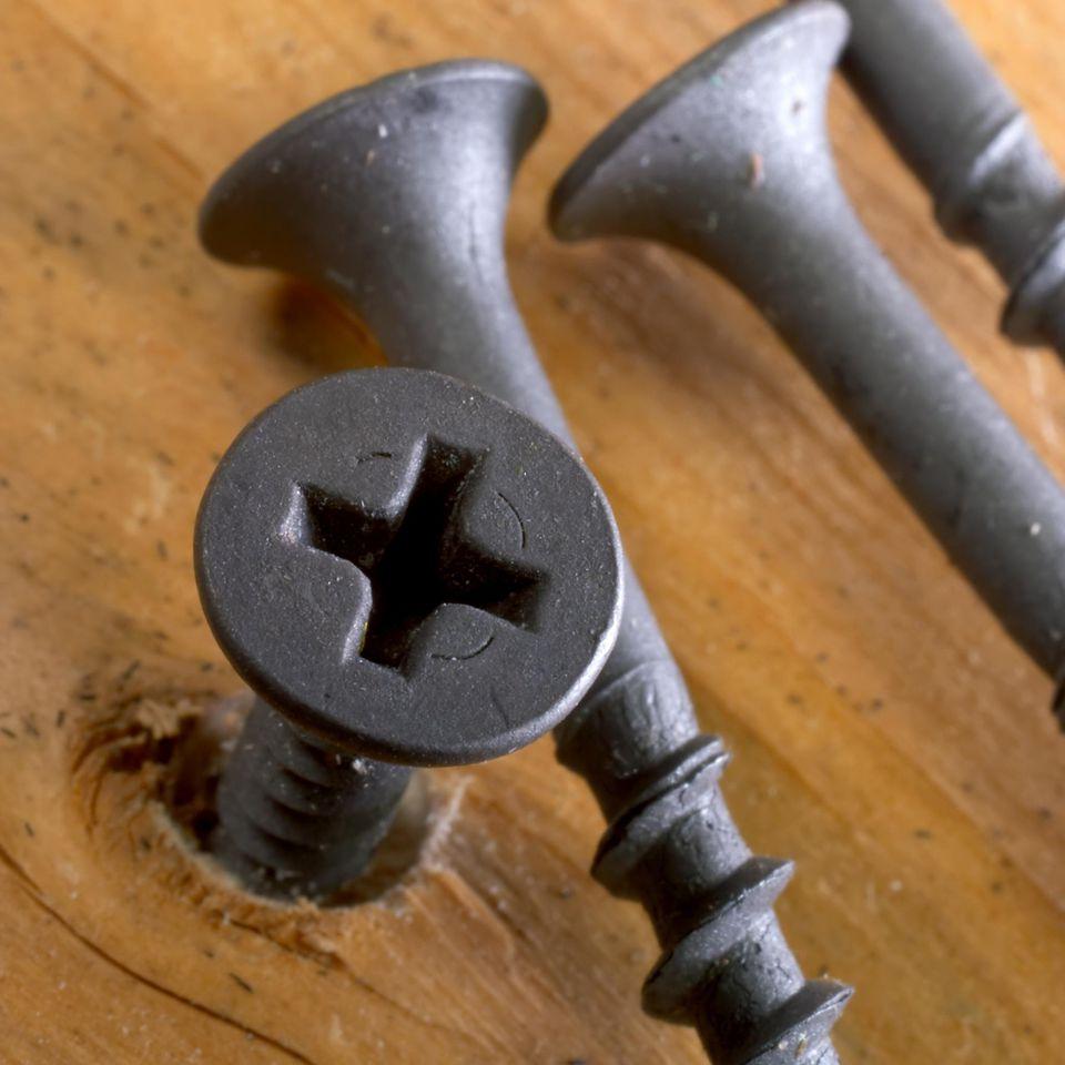 angled screws