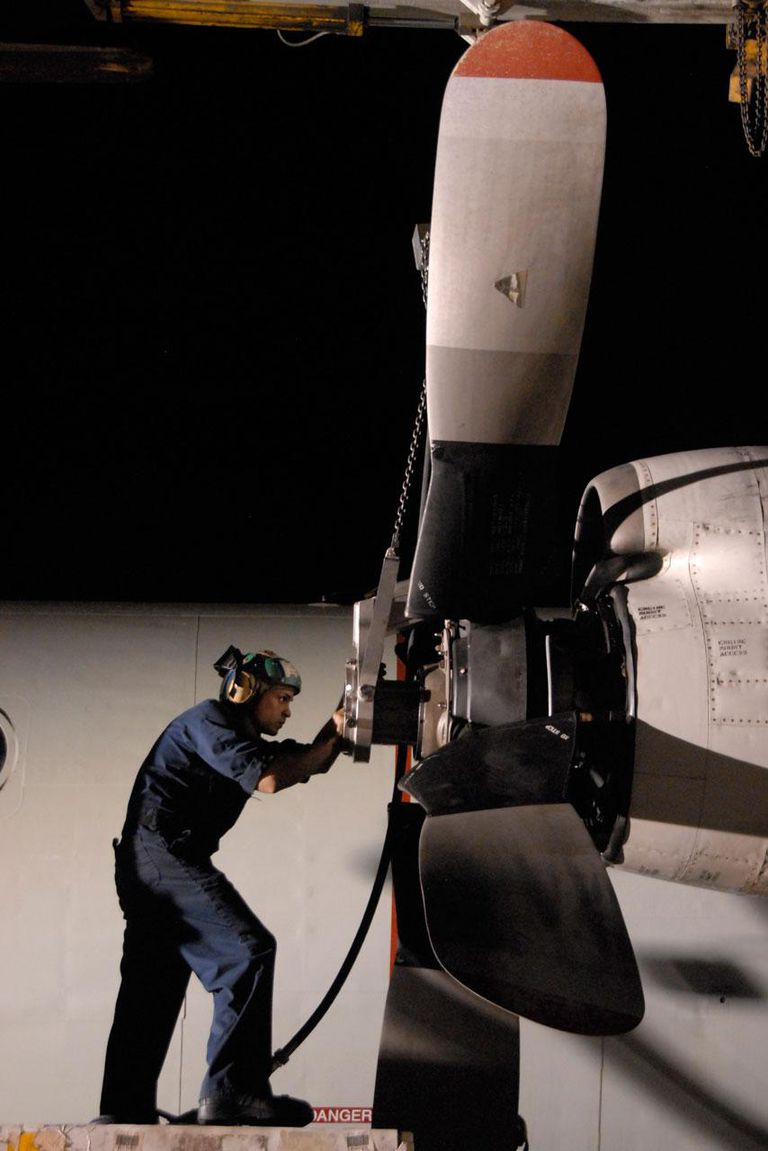 Sailor installs a propeller on the number two engine of a P-3C Orion aircraft SIGONELLA, Sicily (June 20, 2011) Aviation Machinist Mate 2nd Class Omar Viraclass, assigned to Patrol Squadron (VP) 45, installs a propeller on the number two engine of a P-3C Orion aircraft. VP-45 is deployed to Sigonella, Sicily supporting Operation Unified Protector.