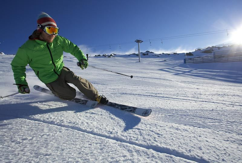 Skiing at Perisher Valley. Photo by Shannon Pawsey, Perisher, courtesy Tourism NSW