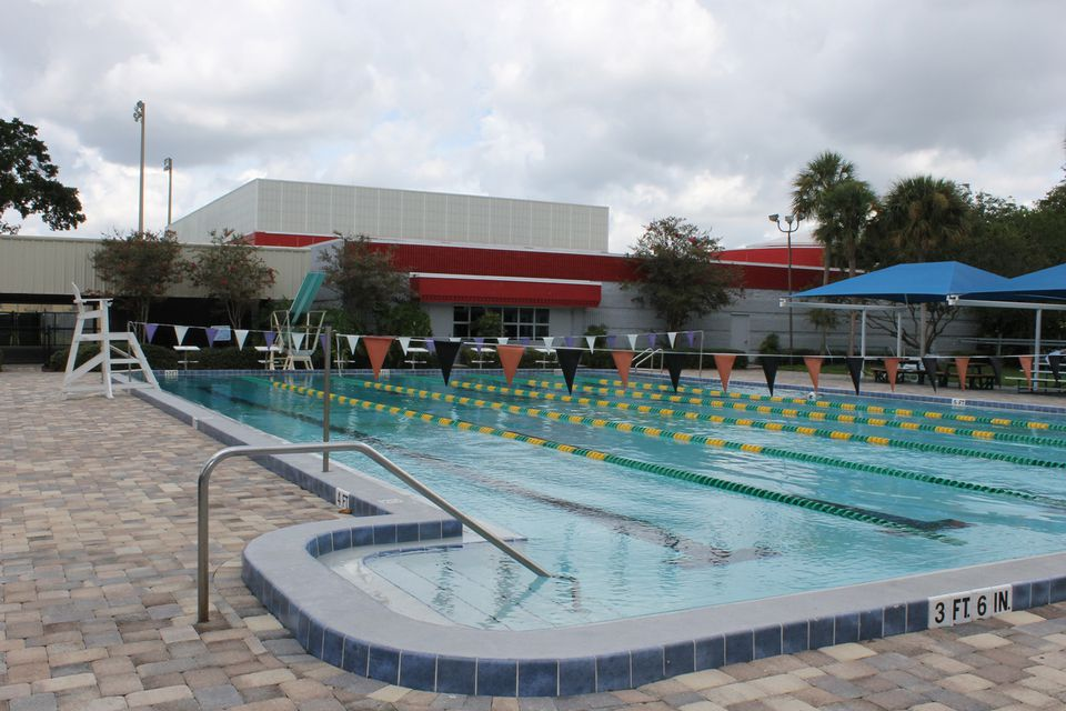 Places To Swim For Cheap Or Free In Orlando