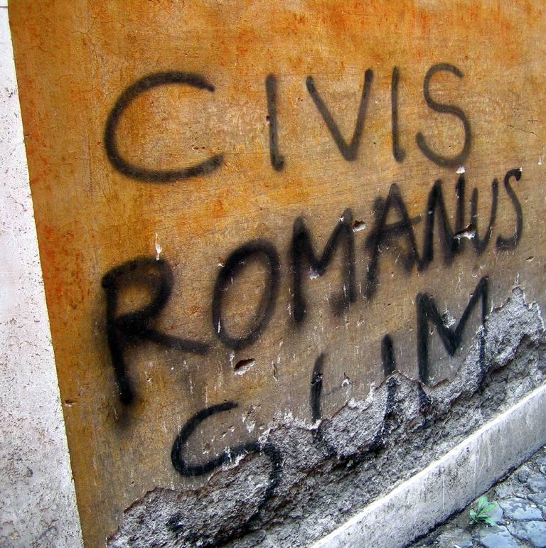 """Graffiti reading """"civis romanus sum"""""""