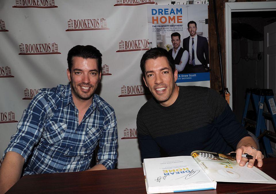 Jonathan & Drew Scott Sign Copies Of 'Dream Home'