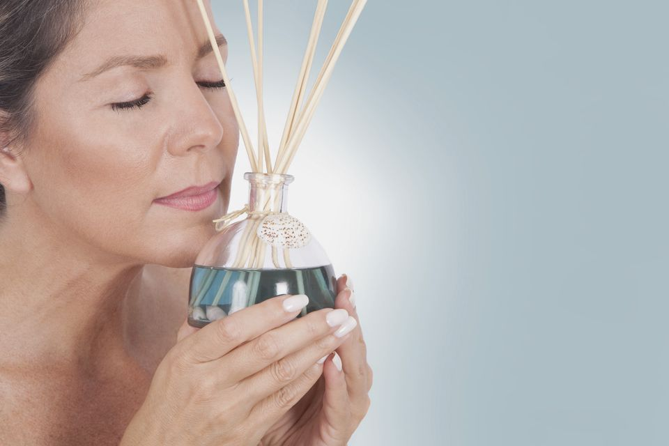 How To Make Your Bedroom Smell Good Naturally