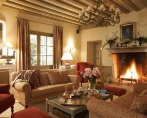 hotels in burgundy from beaune to dijon. Black Bedroom Furniture Sets. Home Design Ideas