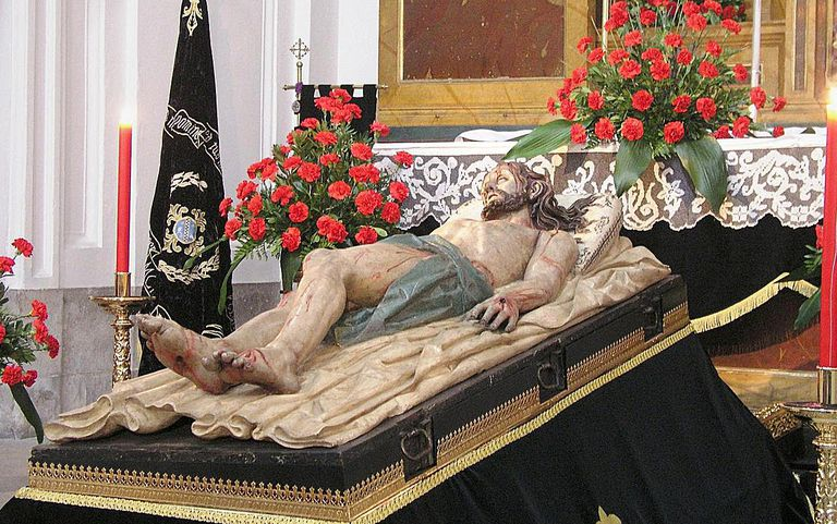 Statue of Jesus lying in the tomb (Monastery of San Joaquín y Santa Ana, Valladolid)