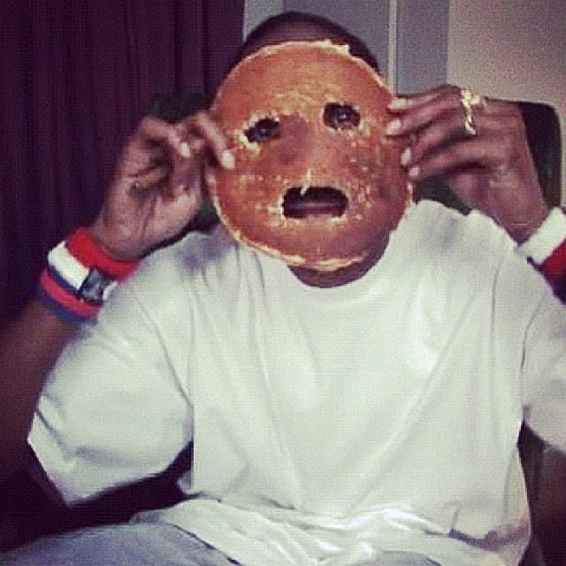 Snoop Dogg pancake selfie