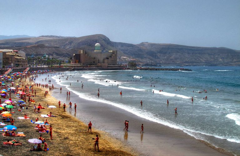 Beach in the Canary Islands for a Spanish lesson on the past tenses