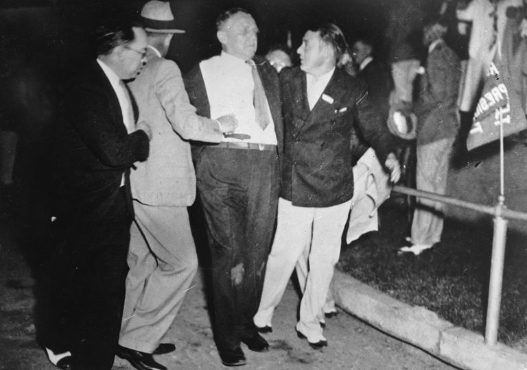 On 15 February 1933 in Belmont Park in Miami, Cermak was shot during a spontaneous speech of the newly elected president Franklin D. Roosevelt by the Italian-American Giuseppe Zangara.