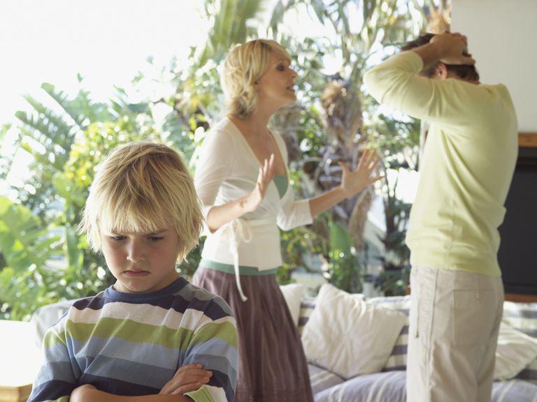 parents disagree on discipline - parents fighting near child