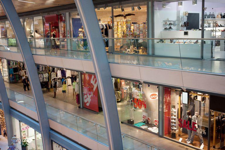 Multistorey shopping center