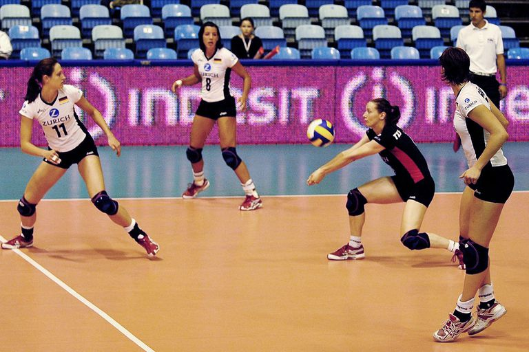 Volleyball libero position