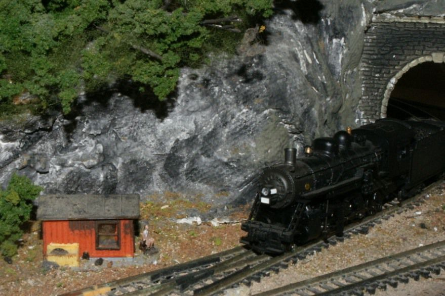 N Scale steam engine