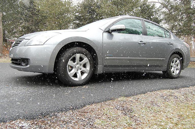 2008 Altima Hybrid snow squalls left side shot