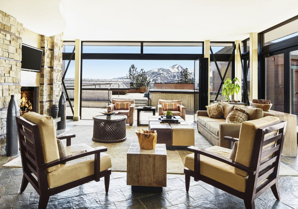 Summer Interior Design Tips to Stage a Vacation Home