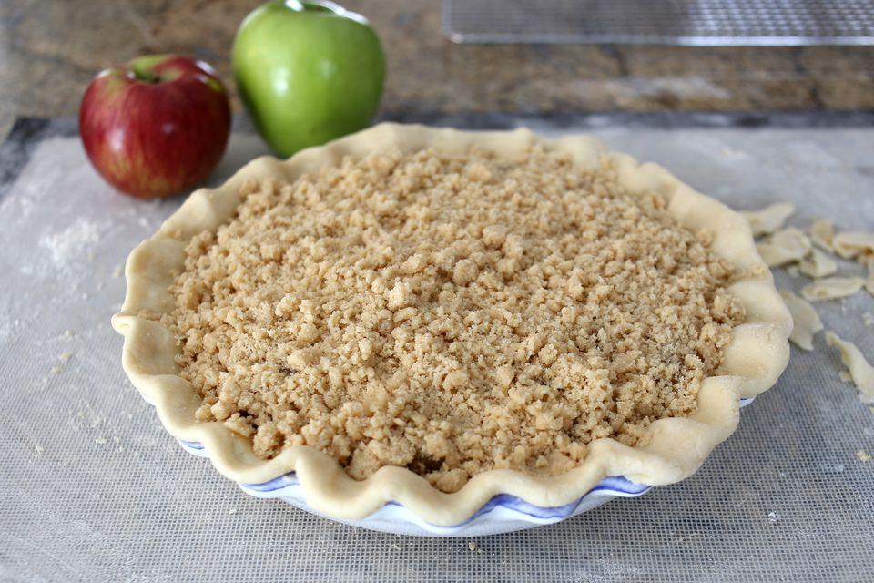 Apple Crisp Pie