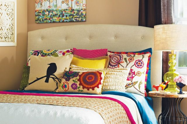 Eclectic Mix Of Pillows : Top 5 Ways to Create a Boho Chic Home