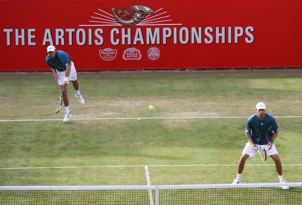 Bryan Brothers in Classic Serving Formation