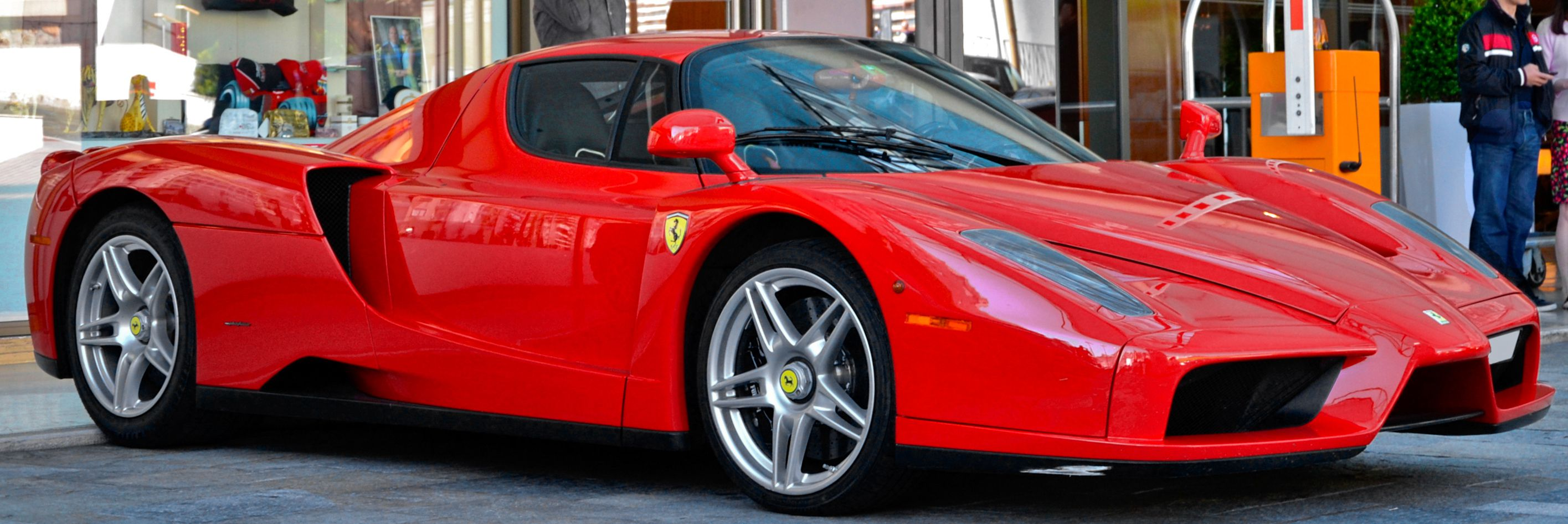 profile of the ferrari enzo. Black Bedroom Furniture Sets. Home Design Ideas