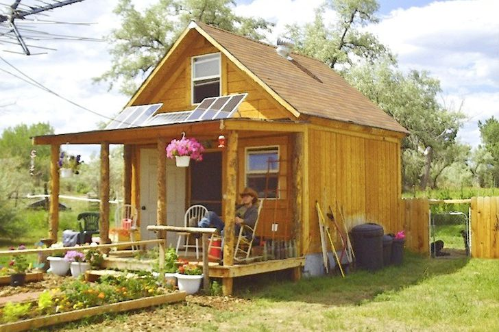 You can build this tiny house for less than 2 000 for Price to build a small house