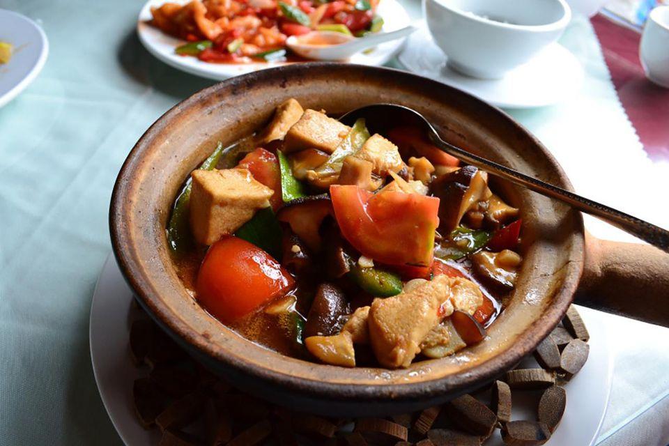 Cantonese steamed chicken