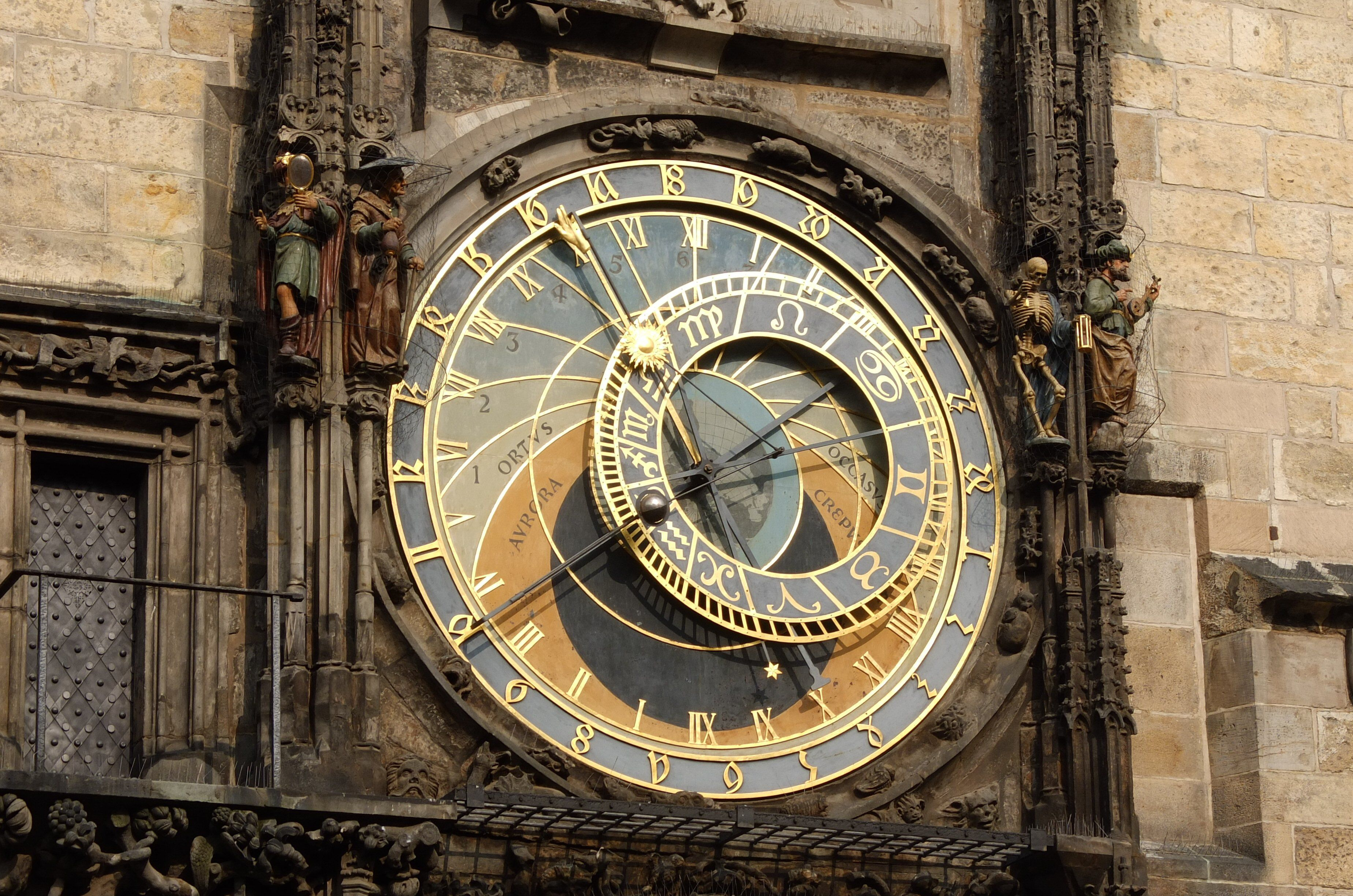 The history of the first clocks clocking architecture with a mechanical figure of death amipublicfo Choice Image