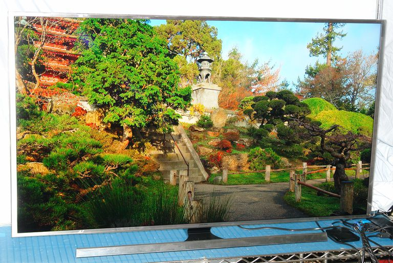 Samsung UN55JS8500 Smart 4K SUHD LED/LCD TV