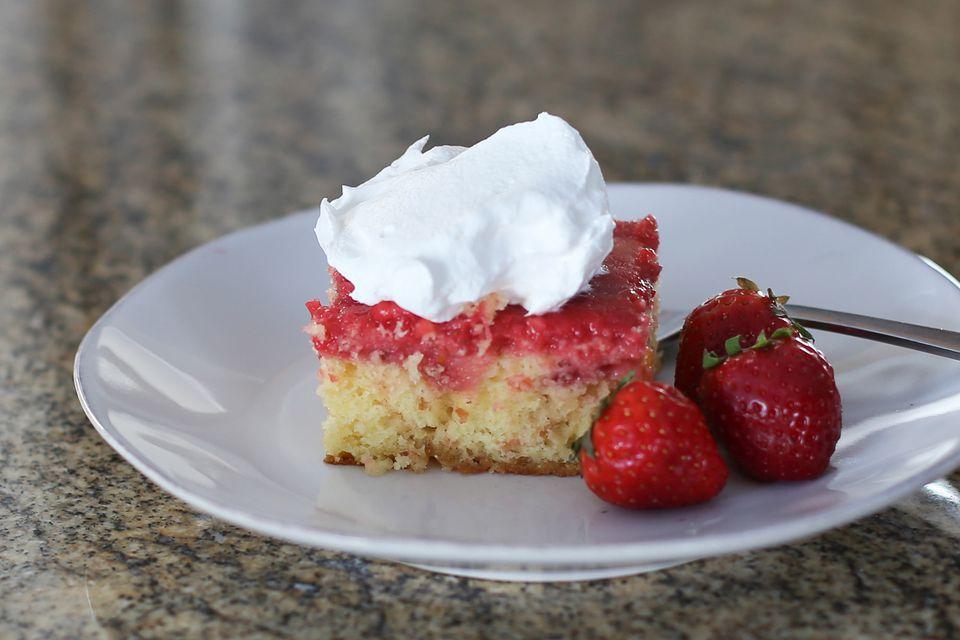 Strawberry Shortcut Cake Recipe