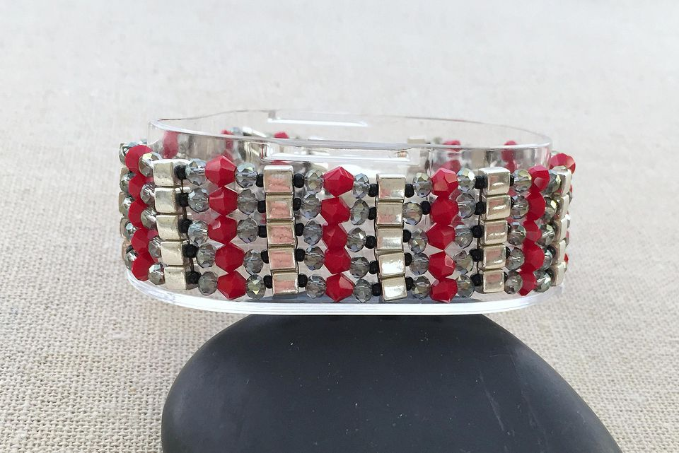 cube and crystal bead bracelet instructions