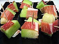 Melon with Serrrano Ham - Melon con Jamon Serrano (c)