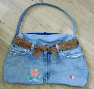 A Pocketbook from Old Jeans